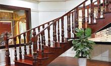 帝王弧形实木楼梯